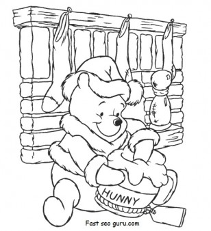 Print out christmas Winnie the Pooh with Santa Claus hat Coloring Pages